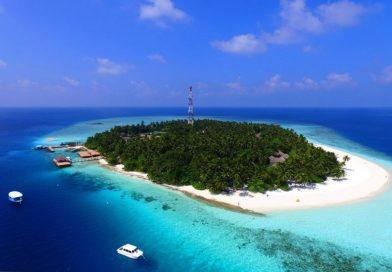 Best snorkeling Maldives resorts in 2017 - Explore the Indian Ocean