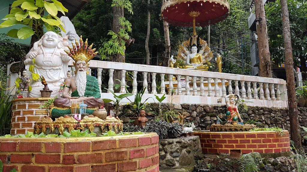 Wat Pha Saa Tham Temple