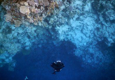How deep is the Blue Hole