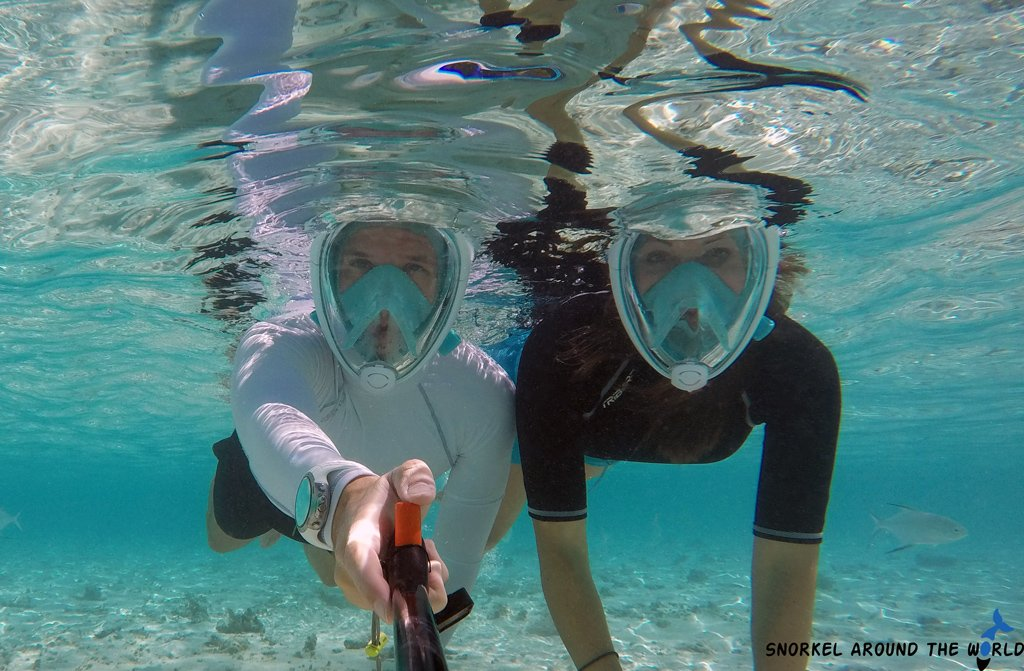Couple with Subea Easybreath full face snorkel mask