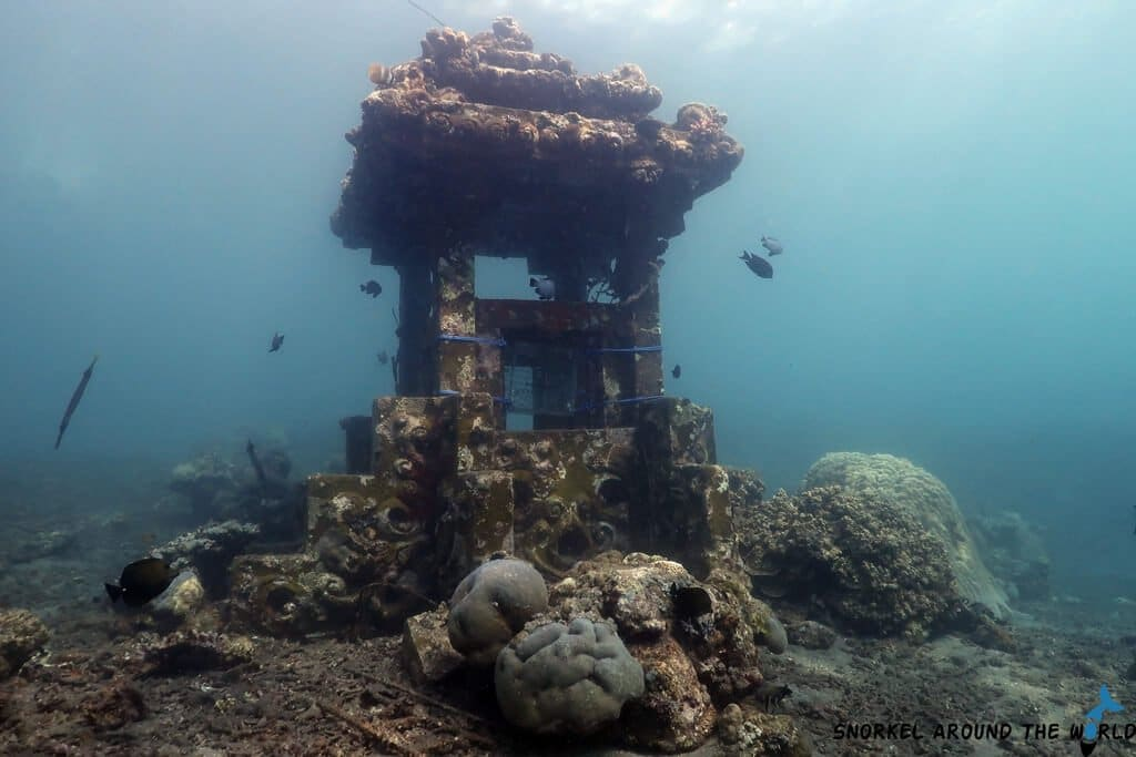 Underwater Temple Jemeluk beach