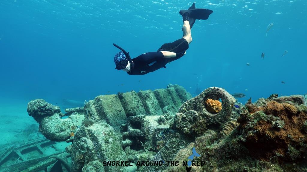 Cali wreck snorkeling Cayman Island