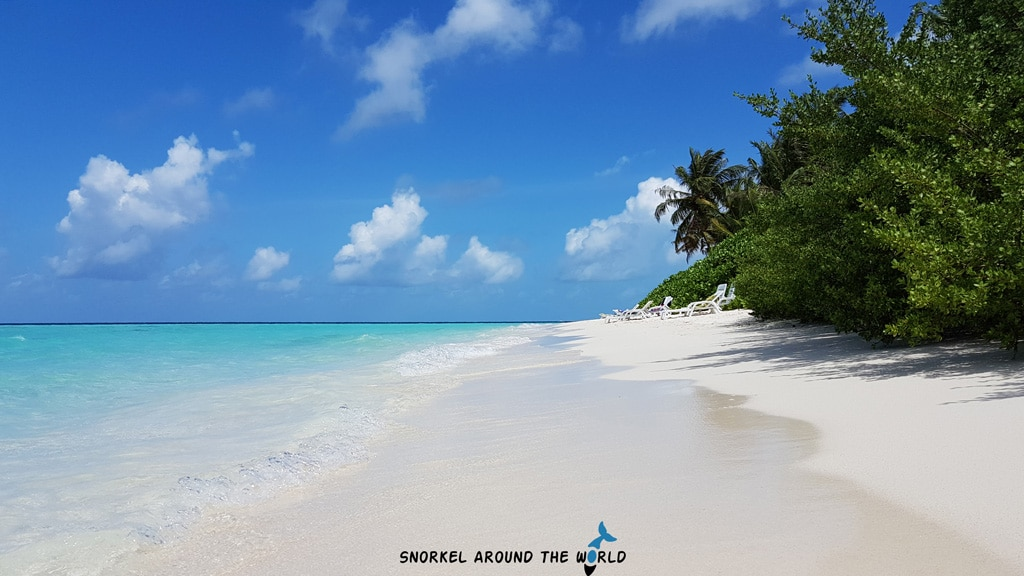 Ukulhas white sand beach - maldives budget islands