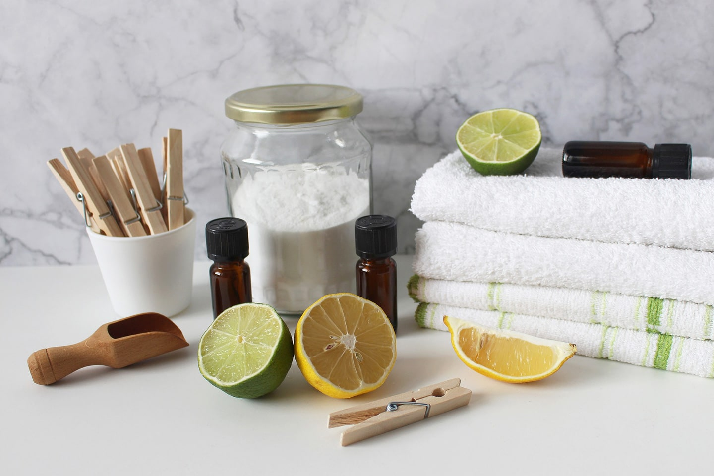 Baking soda, lemon and essential oils