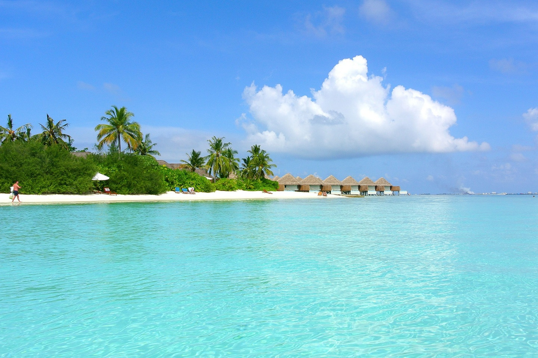 white sandy beach in the Maldives