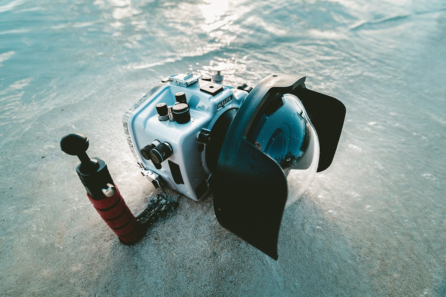 underwater camera with dome lens