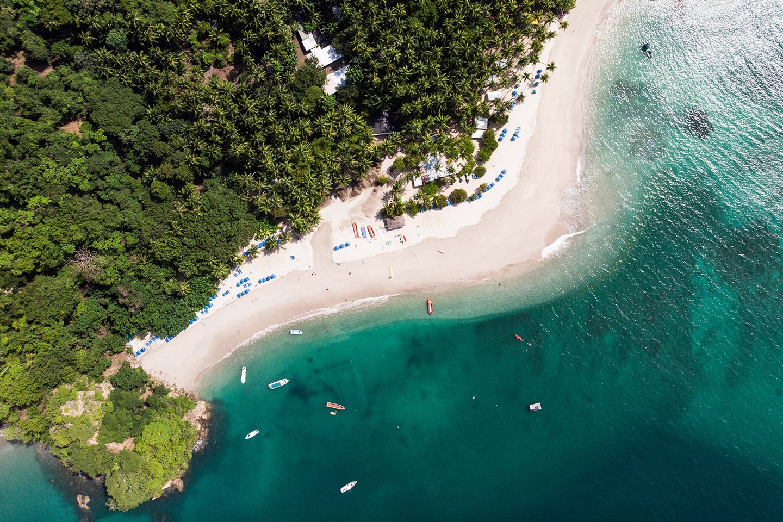 La Isla Tortuga aerial photo