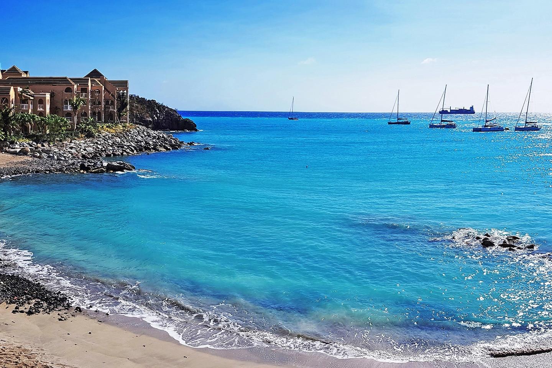 Little bay beach St Maarten
