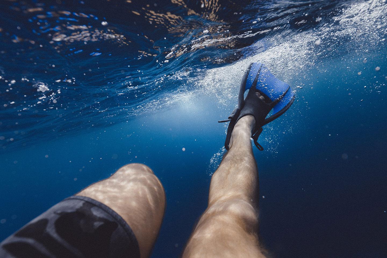 Open foot snorkeling fins